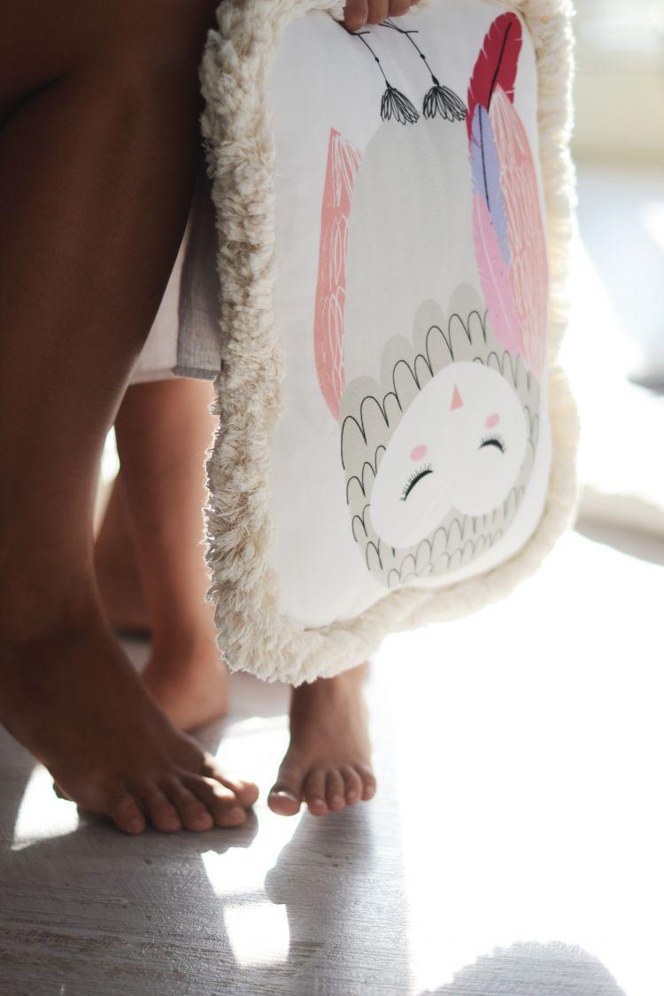 Maki Mon Ami - Ozdobna Poduszka z Frędzlami Sowa Pola