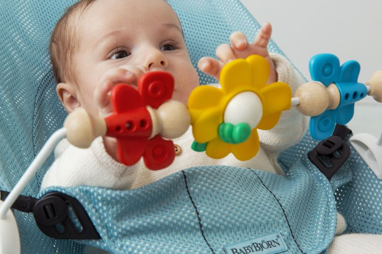 BabyBjorn - Zabawka do Leżaczka Flying Friends