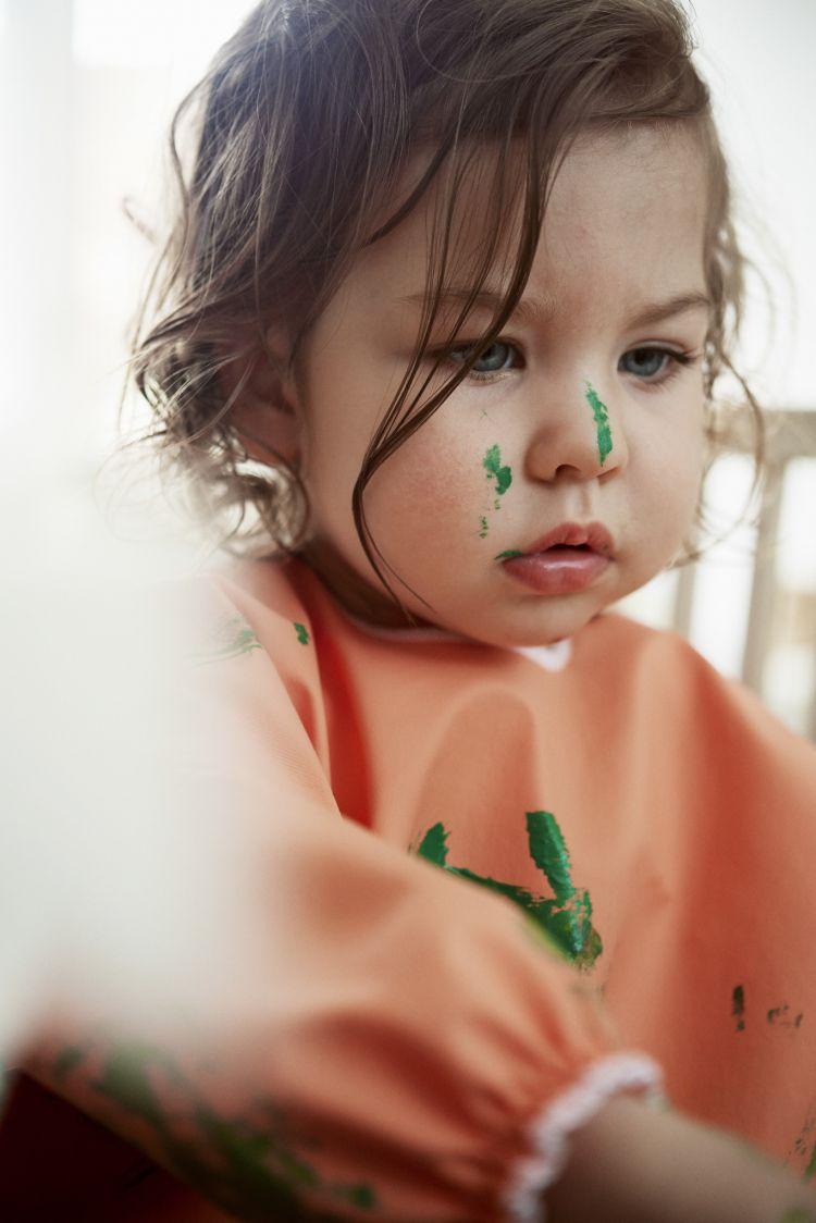 BabyBjorn - Fartuszek z Długim Rękawem Pomarańczowy