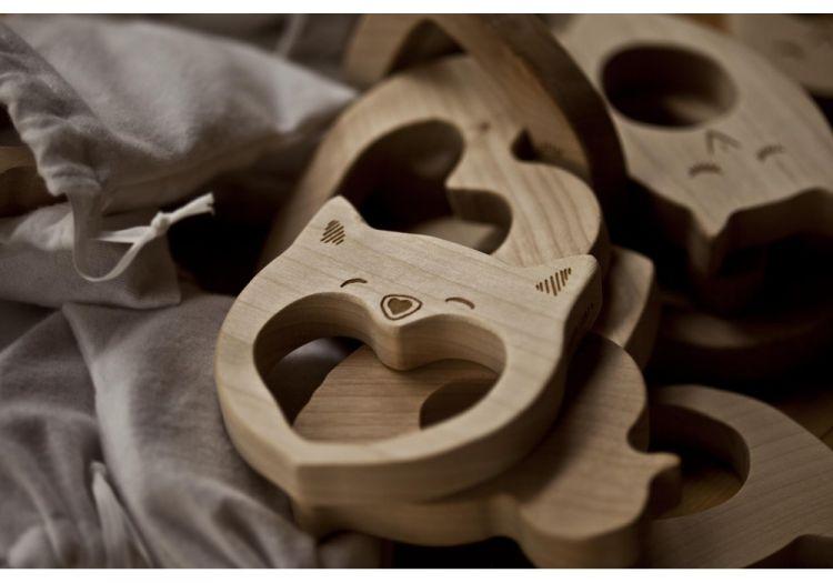 Wooden Story - Drewniany Gryzak Love 3m+