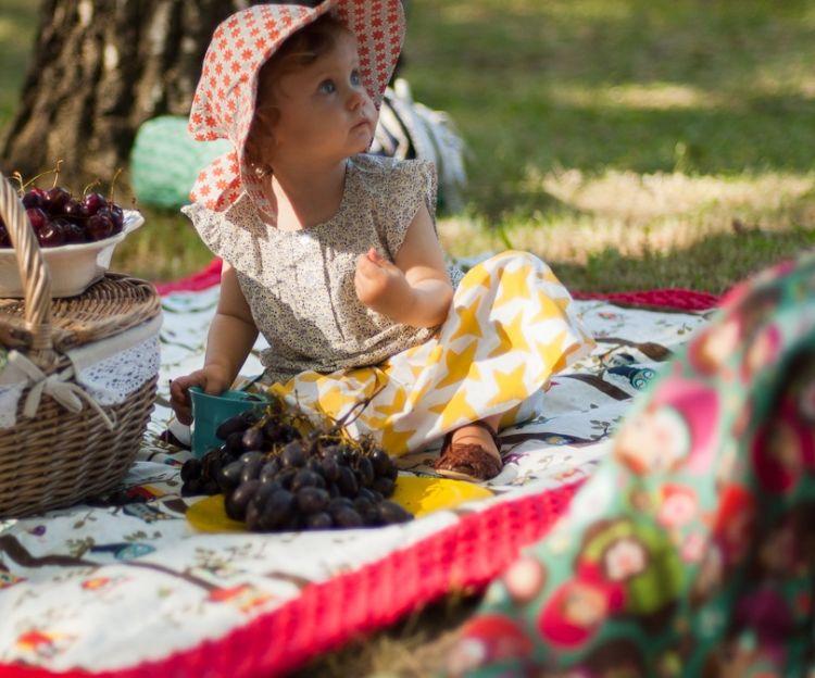 La Millou - Koc Piknikowy z Kieszonką, Mata do Zabawy XL by Maja Bohosiewicz Unicorn Sugar Bebe Grey