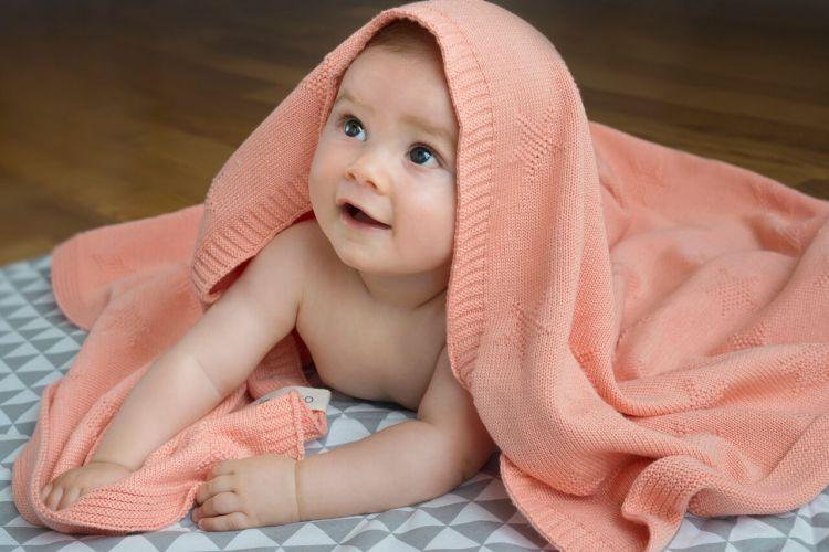 Molomoco - Kocyk Dziecięcy Star Brzoskwiniowy