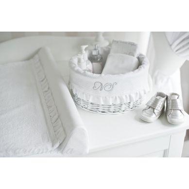 Caramella - Średni, Biały, Okrągły Kosz z Obszyciem Shiny z Falbanką