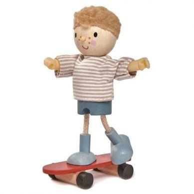 Tender Leaf Toys - Laleczka Edward na Deskorolce 3+