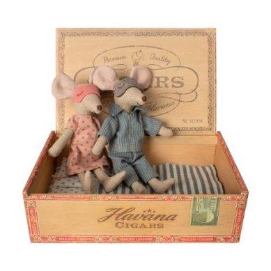 Maileg - Przytulanki Myszki w Pudełeczku Mama i Tata