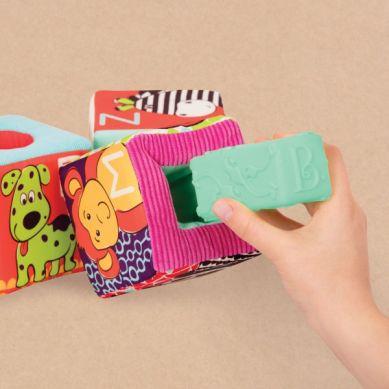 B. Toys - aBc Block Party Klocki Materiałowe z Wypełnieniami w Funkcji Sorterów