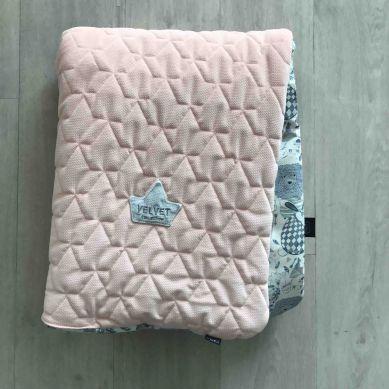 La Millou - Kocyk Velvet Collection 80x100 La Millou Family Powder Pink Bright