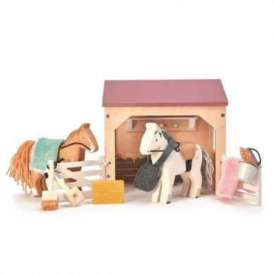 Tender Leaf Toys - Drewniane Figurki do Zabawy Stajnia z Końmi 3+