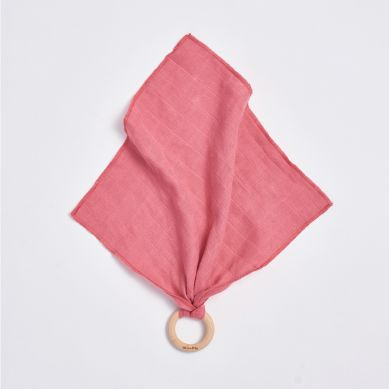 Bim Bla - Drewniany gryzaczek z pieluszką - różowy