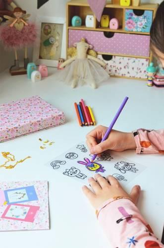 Janod - Zestaw Kreatywny do Tworzenia Biżuterii Kurczliwego Plastiku Słodkie Zwierzaki Kawaii 7+