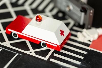 Candylab - Samochód Drewniany Ambulans